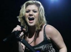 Kelly Clarkson on Twitter