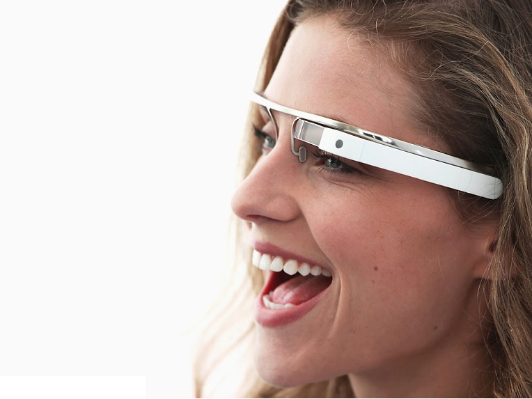 Google Glass Is Going Social With Facebook, Twitter, And Others