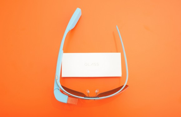 Wearable technologies will have an affect on social media in 2015.