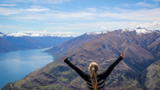 Travel Blogger Teaches People 'How To Move To New Zealand' After Presidential Election
