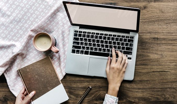 In-Between Clients? Here are 5 Ways Freelance Bloggers Can Fill the Time (And Make Some Money)